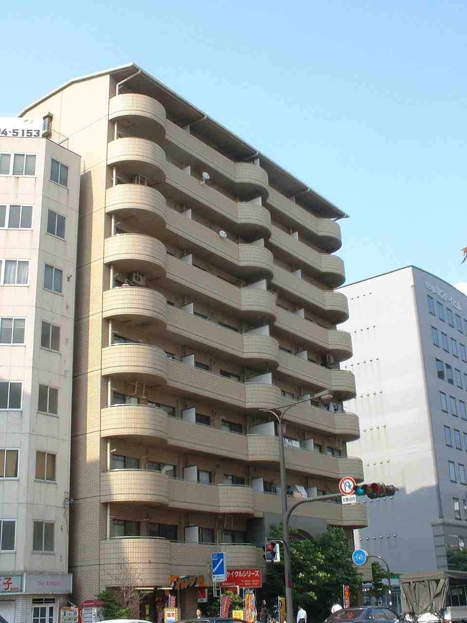 物件番号: 1068136974 ロイヤルパーク  大阪市淀川区西中島2丁目 3LDK マンション 外観画像