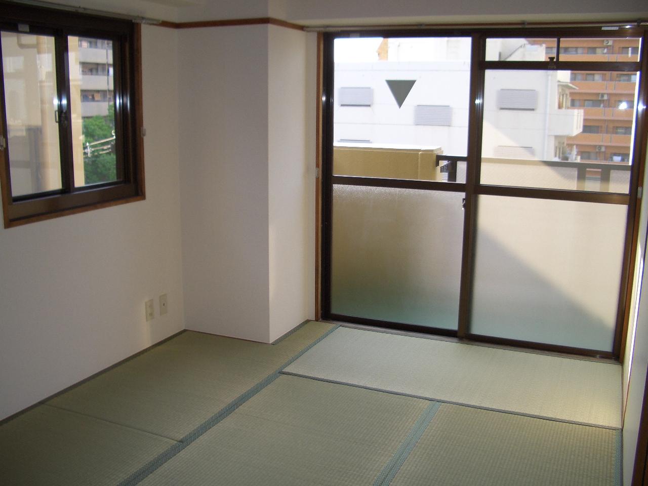 物件番号: 1068101501 パークロッジ  大阪市淀川区木川東4丁目 2DK マンション 画像1