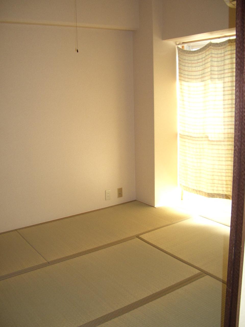 物件番号: 1068133443 ホワイトハイツカドタ  大阪市東淀川区東中島1丁目 2DK マンション 画像1